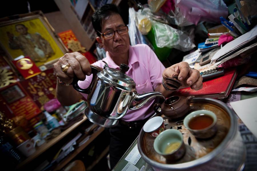 Mr Heng serving tea in China Town, Bangkok