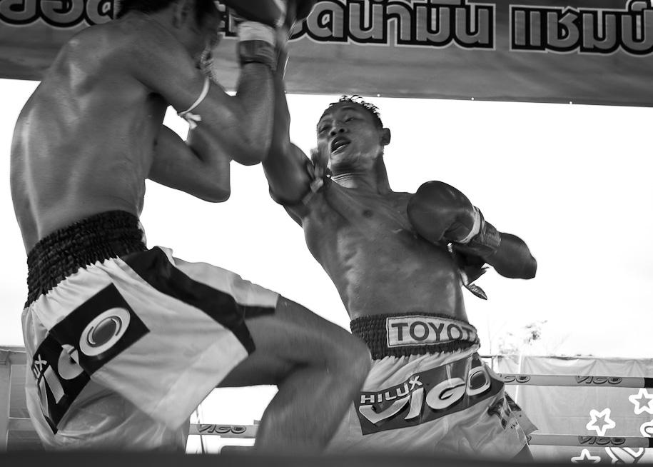 Muay Thai Saenchai's winning strike