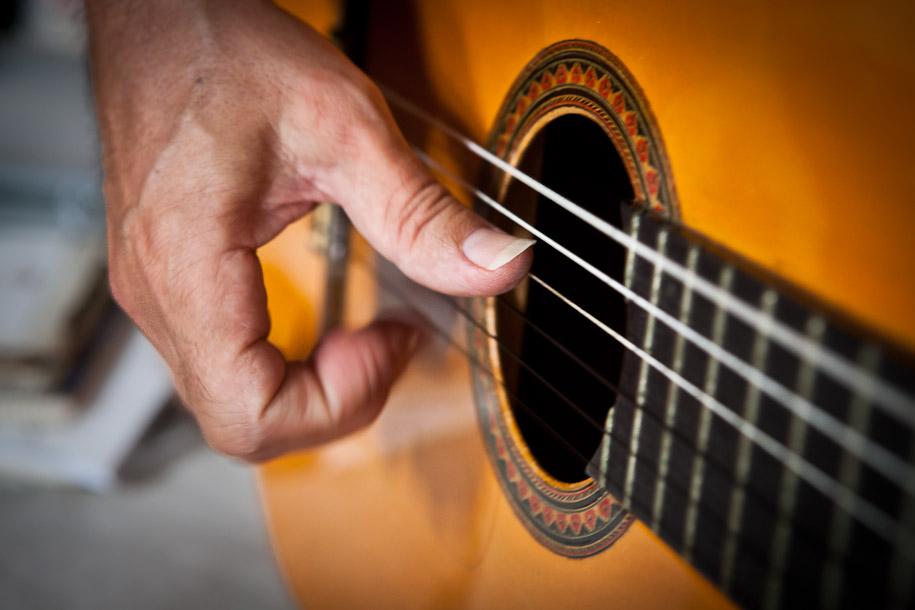 Manuel Blesa playing flamenco guitar